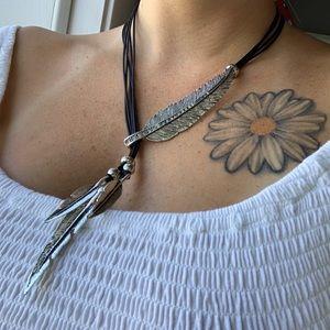 🤑 Boho feather necklace
